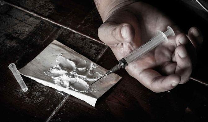 Anciana intentó pasar 92 libras de heroína desde México a EE.UU.