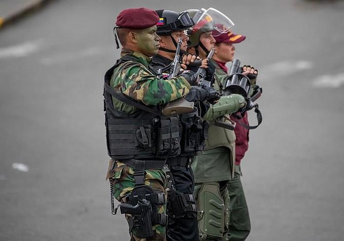 Retienen a dos periodistas de la agencia Reuters en la frontera colombo-venezolana