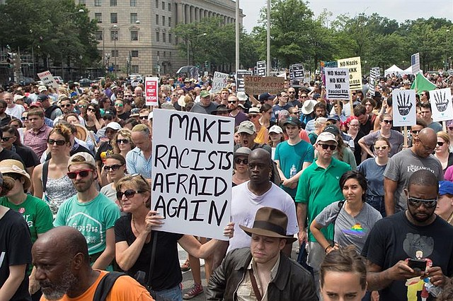 EE.UU. Contraprotestas a la manifestación Unite the Right rally en Washington DC