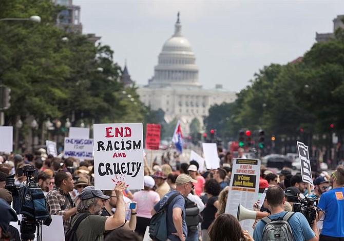 Autoridades de Washington preparados para el mitin de la supremacía blanca [FOTOS]