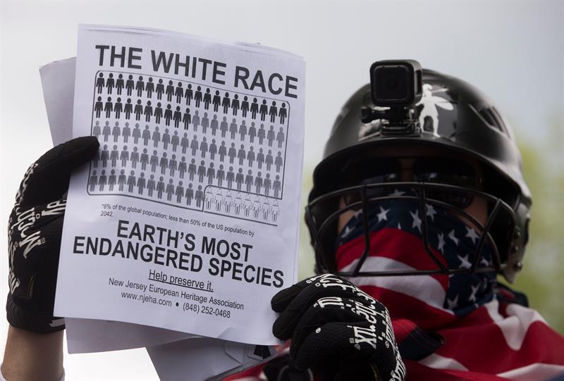 EE.UU.Un supremacista blanco asiste a la manifestación Únete a la Derecha en el Parque Lafayette en Washington, DC