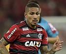 Paolo Guerrero llega a su nuevo equipo procedente de Flamengo.