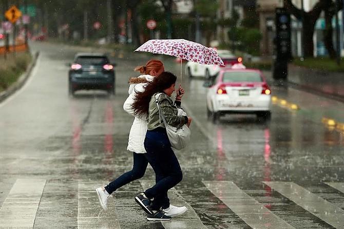 CLIMA. Se pronostican tormentas muy fuertes con descargas eléctricas en 13 estados de México