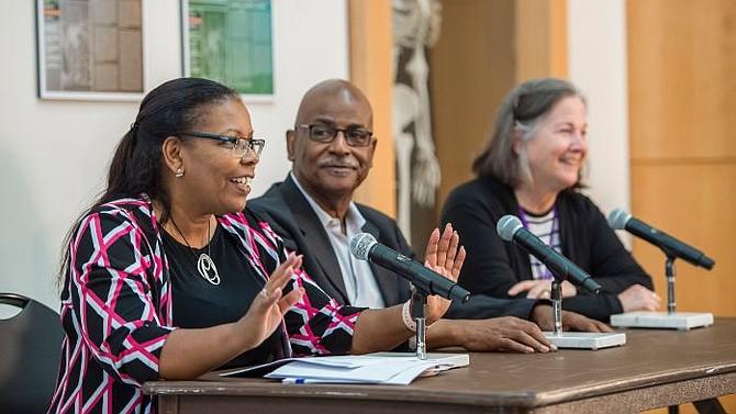 EXPOSITORES. Un panel de expertos financieros y crediticios abrieron la conferencia en sesión plenaria