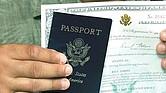Cálculo. El DHS advirtió que 315,000 inmigrantes con antecedentes habrían escapado a los radares de inspección de inmigración.