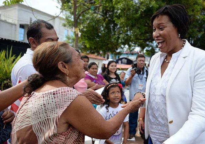 El Salvador: Así recibió Intipucá a la alcaldesa de Washington