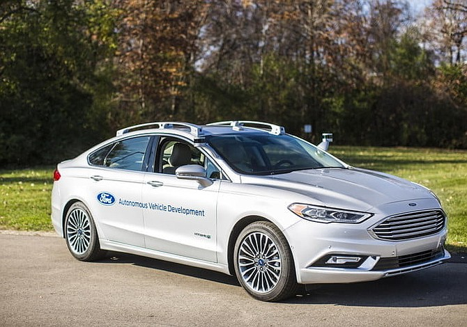Ford abrirá filial para vehículos autónomos