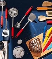 Utensilios de colores mejorarán la imagen de tu cocina.