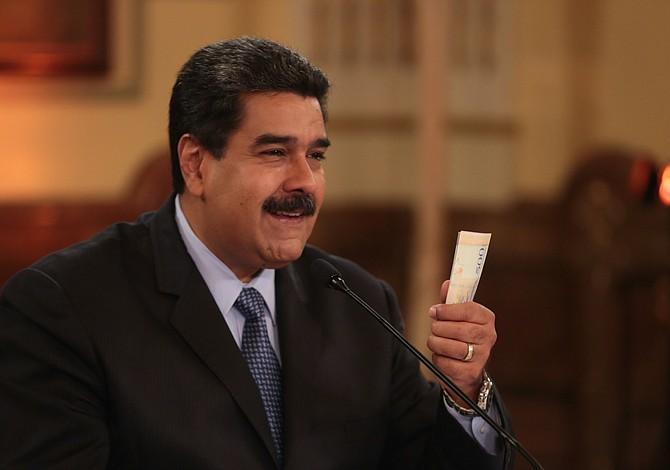 """Maduro ordena activación de """"puente aéreo"""" para regresar a venezolanos que lo deseen"""