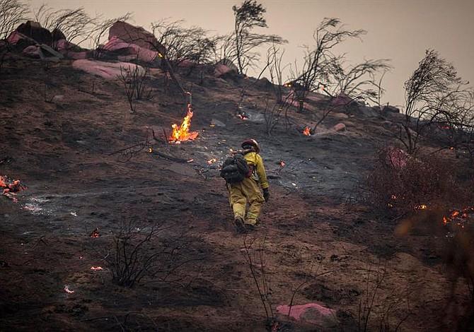 Autoridades alertan sobre incendio forestal en Montana, EE.UU.