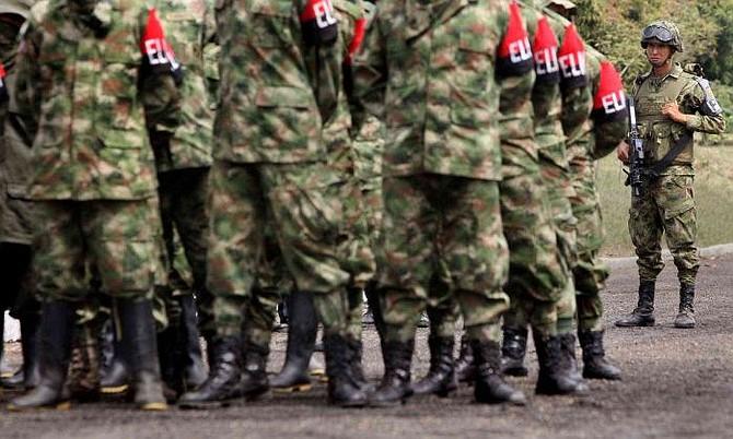 COLOMBIA. Ministerio de Defensa aseguró que adelanta junto con la guerrilla una operación de liberación de varios militares y civiles retenidos