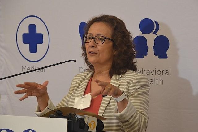 SACRIFICIO. Gómez recalcó que la clínica ha trabajado muy duro y quiere brindar el mejor servicio a la comunidad sin importar qué administración esté en la Casa Blanca.