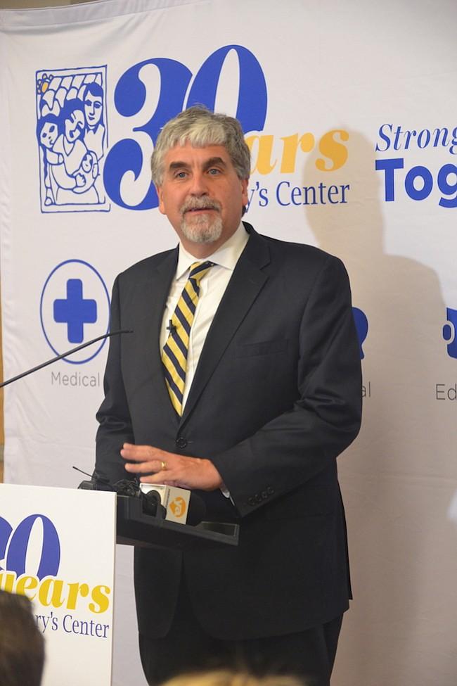 SOCIOS. Eric Hargan de HHS recalcó la importancia de Mary's Center a nivel nacional para brindar servicios de salud de calidad, oportunos y a bajo costo.