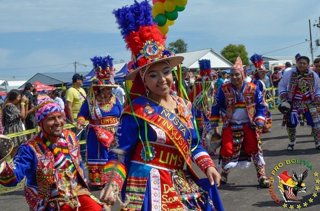 NIÑOS. Pro Bolivia tiene como misión conectar a los niños con la cultura boliviana. Estos pequeños participaron en el Festival 2016.