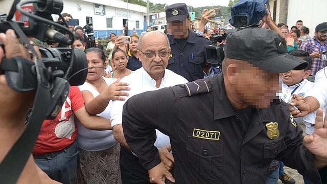 DETENCIÓN. Feligreses de la zona respaldan al sacerdote ante las acusaciones