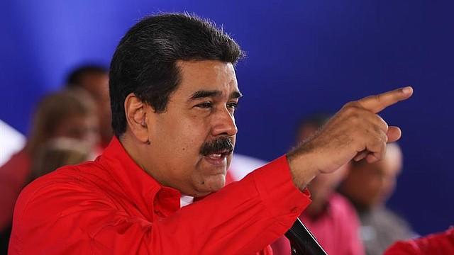 VENEZUELA. Fotografía cedida por prensa del Palacio de Miraflores, del presidente de Venezuela, Nicolás Maduro, durante una reunión con dirigentes del partido de Gobierno