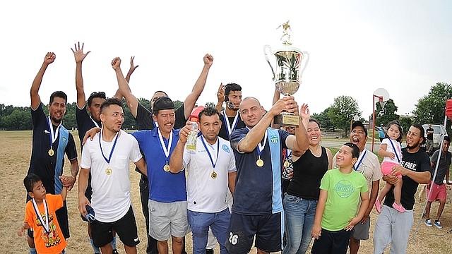 Deportivo Antigua levanta el trofeo de Campeones de la Copa Megamart de la Liga Guatemalteca Soccer MD.