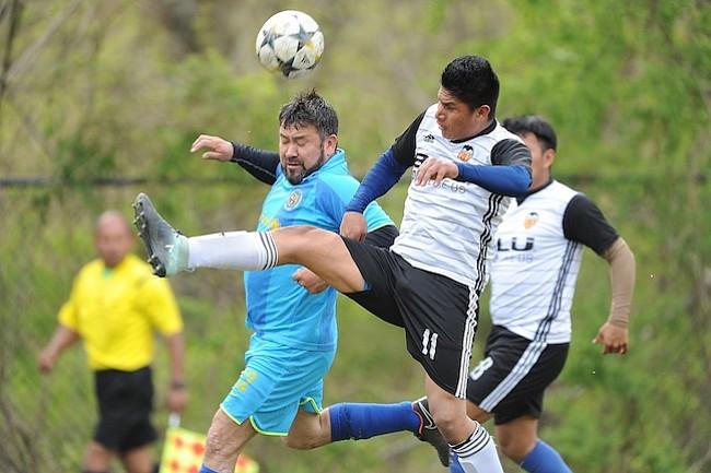 Los Aires del Llano venció al Deportivo Siénaga 2-1 en las canchas de University Boulevard.