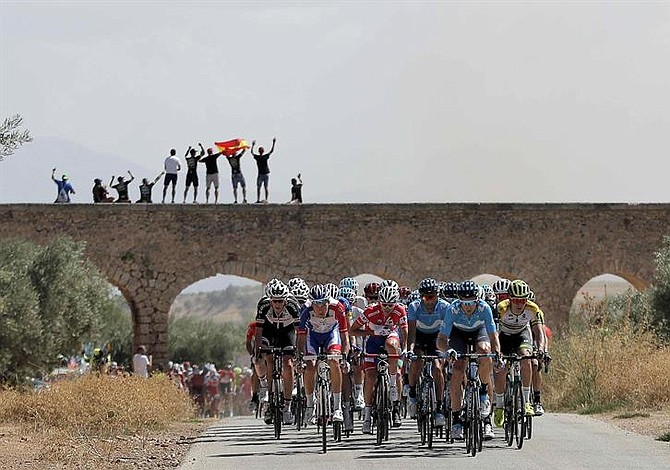 Colombianos estuvieron sólidos en la etapa 7 de la Vuelta a España