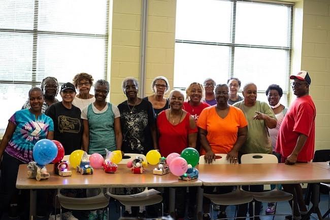 DISTRITOS. A las instalaciones que YMCA tiene en los ocho distritos de la ciudad acuden unas 100.000 personas mayores de 55 años.