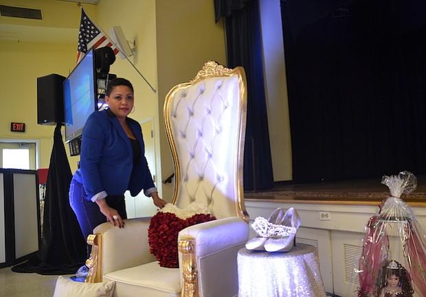 TRABAJOS. La empresa de Reyes, RB Party Decorations LLC, da trabajo a 30 personas.