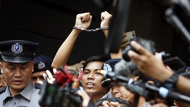 MUNDO. Foto del periodista de Reuters Kyaw Soe Oo, luego de ser condenado a siete años de cárcel
