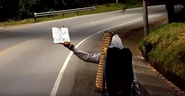 REPORTAJE - Los caminantes: venezolanos huyen de la crisis hacia Colombia.