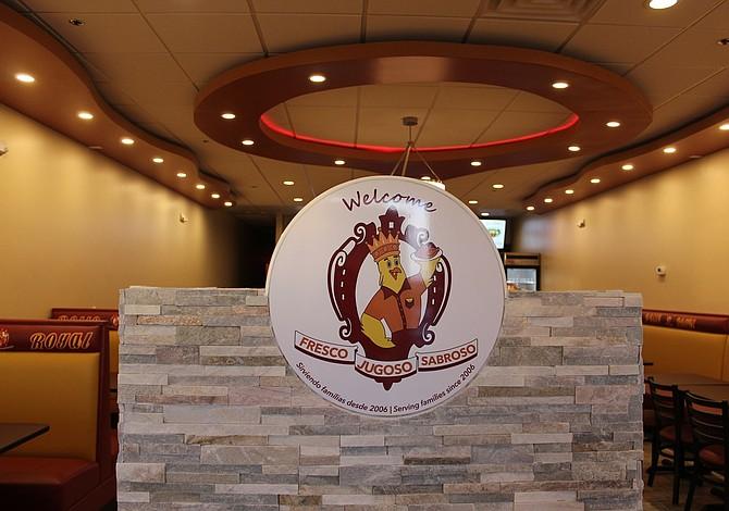 Pollo Royal abre nueva tienda en Framingham