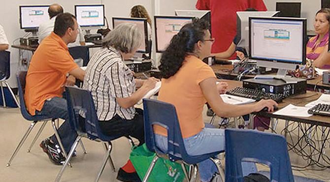 Beneficio. Las personas mayores de 19 años pueden acceder a clases gratuitamente.