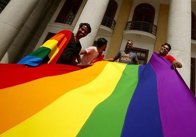 Despenalizan la homosexualidad en India