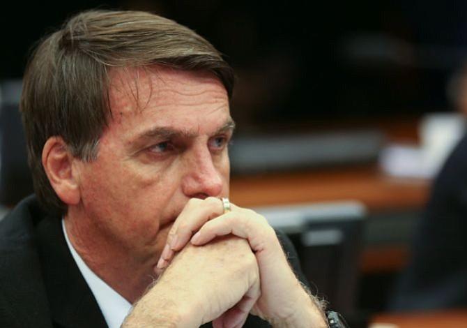 Candidato a la presidencia brasileña es apuñalado durante mitin (+video)