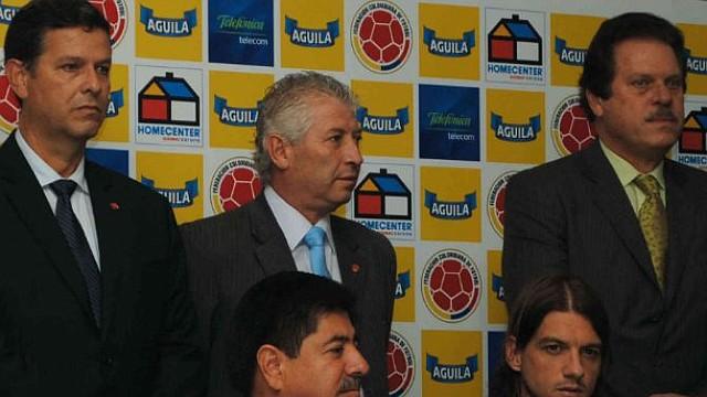COLOMBIA. Abajo y a la derecho, Pascual Lezcano