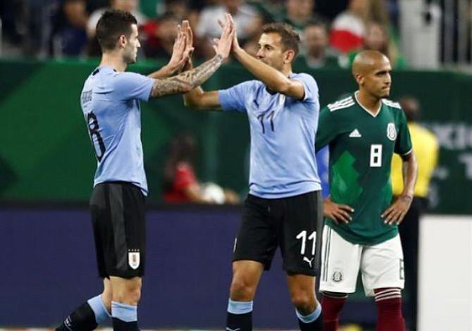 Uruguay hace gala de su artillería con goleada sobre México