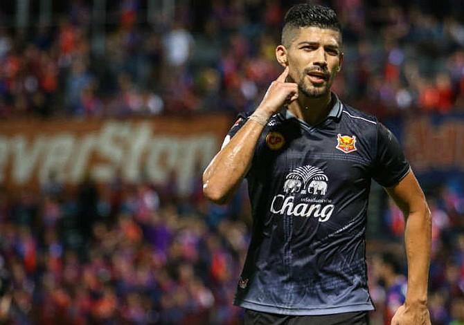 Nelson Bonilla da la victoria al Sukhothai con gol de último minuto