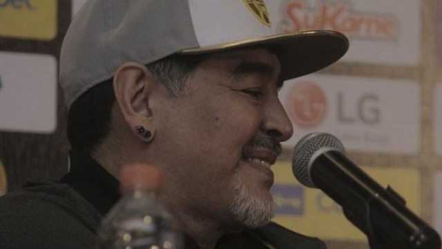 FÚTBOL. Maradona dio su primera rueda de prensa como DT de Dorados