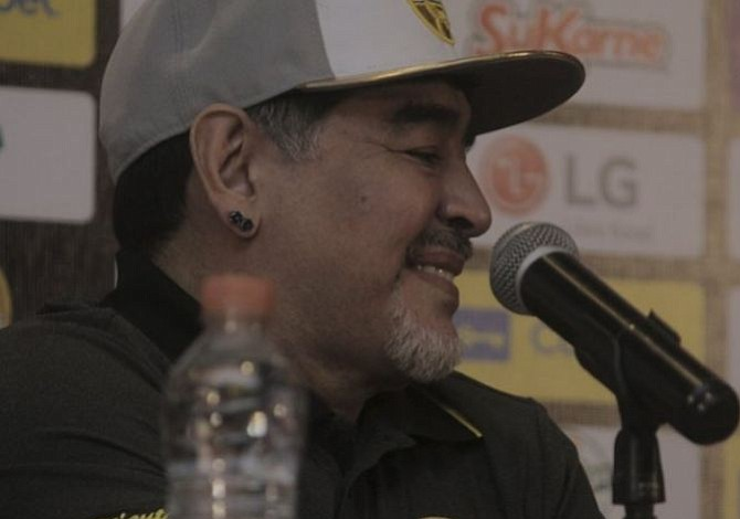 """Maradona en su presentación como DT de Sinaloa: """"Vine a dejar mi corazón"""""""