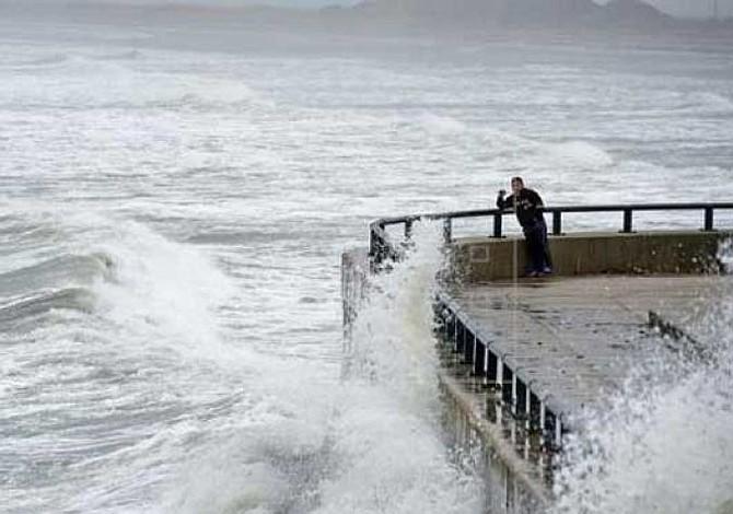Florence recupera la categoría 3 en su rumbo hacia la costa sureste de EE.UU.