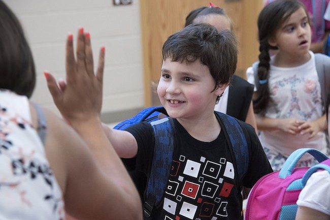 DUAL. MCPS cuenta ahora con dos nuevos programas de inmersión dual (bidireccional) en las escuelas locales.