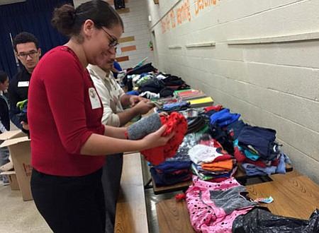 """FAMILIAS. Las familias pueden beneficiarse de la """"boutique gratis"""" que cada año instala la Fundación."""