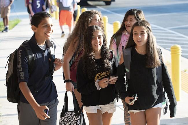 Más programas y oportunidades en escuelas de Montgomery
