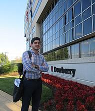 INGENIERO. A sus 23 años, Enrique Sanz trabaja para una reconocida firma de ingeniería.