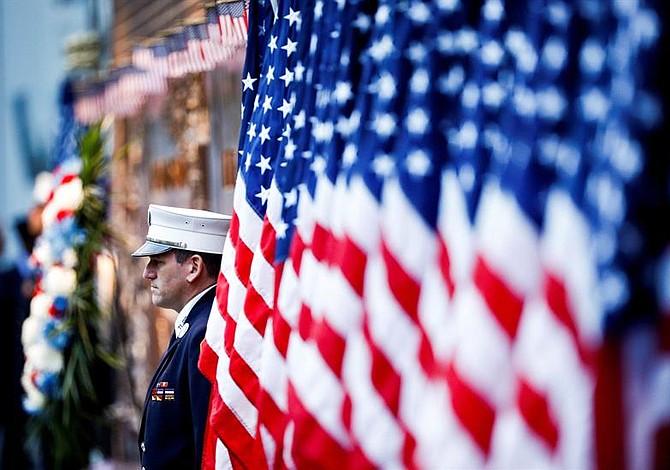 Trump honra a los héroes del vuelo 93 en Pensilvania