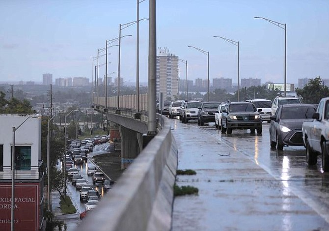 Fuertes lluvias inundaron zona metropolitana de Puerto Rico