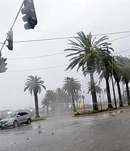 HURACÁN. Autoridades alertas ante la situación climática.