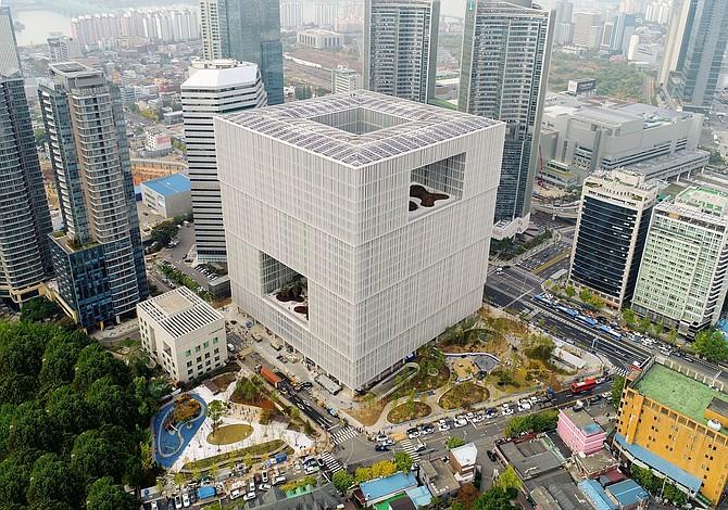 Amore Pacific en Seúl vive ahora en el cubo de Chipperfield