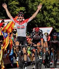 CICLISMO. El ciclista belga Jelle Wallays se impone vencedor de la decimoctava etapa de la Vuelta ciclista disputada entre Ejea de los Caballeros y Lleida