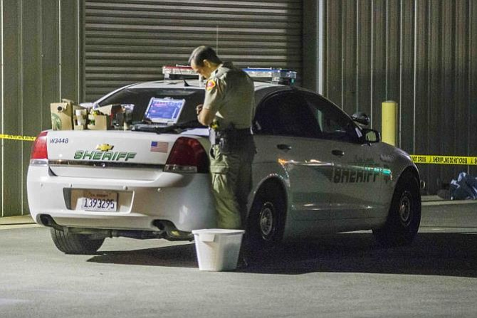 Un hombre mata a cinco personas y después se suicida en California