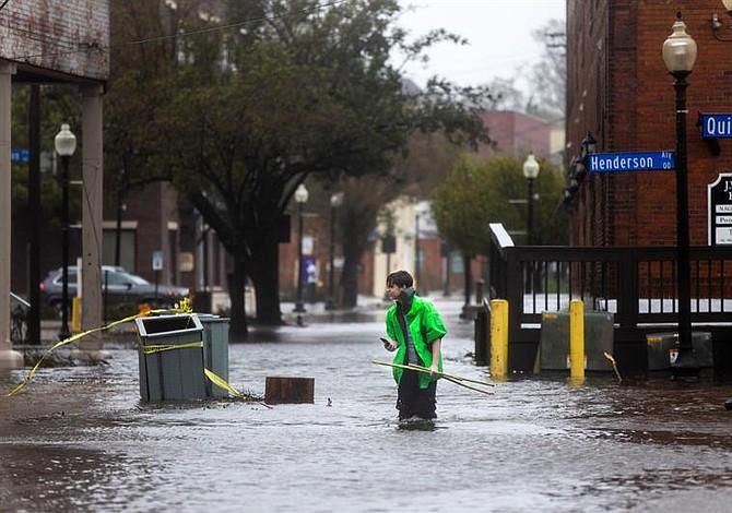 Reportan cuatro muertos por paso de Florence en EE.UU.