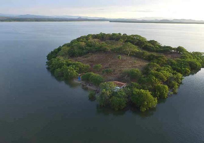 Gobierno salvadoreño veta reforma que prohíbe la venta de isla Perico