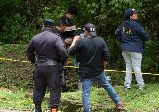 Delincuentes estrangulan a un hombre en El Salvador y arrojan su cuerpo a la carretera